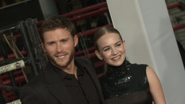 stockvideo's en b-roll-footage met clean the longest ride los angeles premiere at tcl chinese theatre on april 06 2015 in hollywood california - zwarte jurk