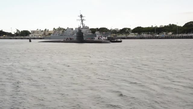 the los angelesclass fast attack submarine uss la jolla departs the submarine piers at joint base pearl harborhickam on oct 15 for the last time... - 14 15 years stock videos & royalty-free footage