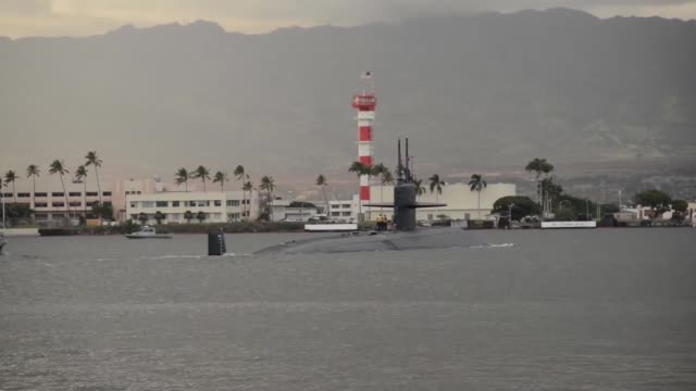 the los angeles-class fast attack submarine uss la jolla departs the submarine piers at joint base pearl harbor-hickam on oct. 15, for the last time.... - 14 15 years stock videos & royalty-free footage