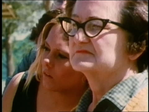 vídeos de stock, filmes e b-roll de 1969 'the lottery' part 8 - jogo da sorte