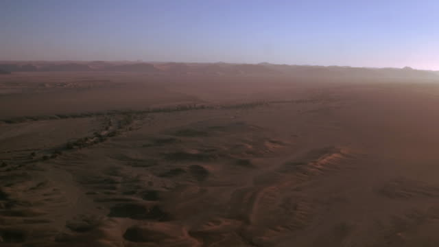 the majestic sand dunes of sossusvlei - horizon over land stock videos & royalty-free footage
