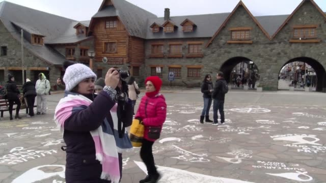 ARG: Tourists in Argentina's Bariloche affected by power outage
