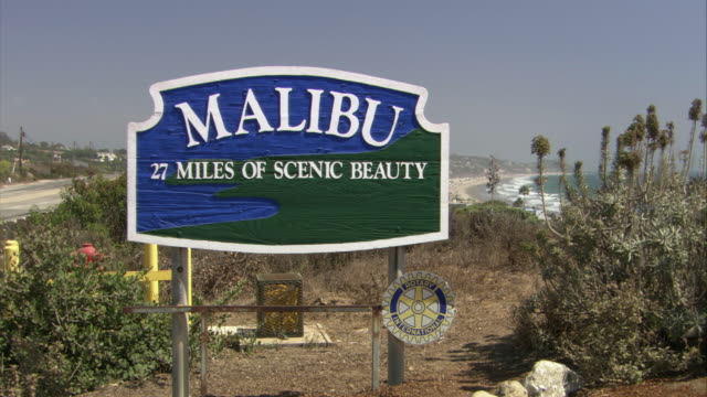 ms the malibu village welcome sign / california - malibu stock videos & royalty-free footage