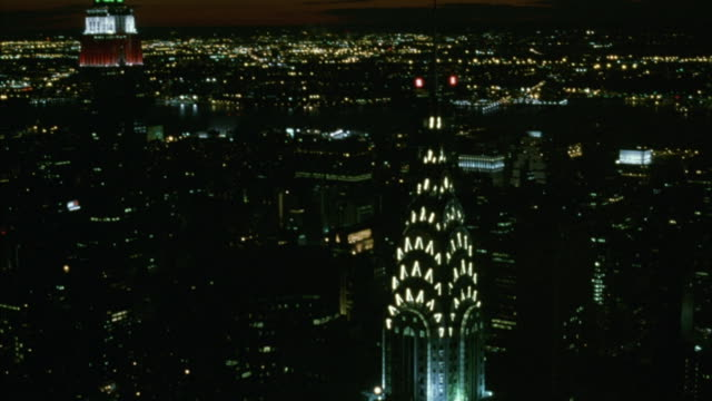 the manhattan skyline includes the chrysler building, the empire state building, the metlife building, citigroup center and the world trade center twin towers. - world trade centre manhattan stock videos and b-roll footage