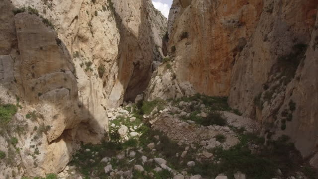 the mascarat bridges, the mascarat canyon or the (salat ravine). it divides the sierra de bernia from the sierra de toix. located on the border between calpe and altea, alicante province,costa blanca,spain - ravine stock videos & royalty-free footage