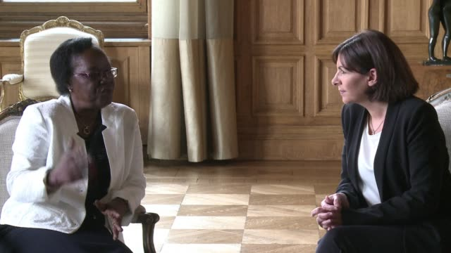 the mayor of bangui on an official visit to paris at a time of renewed violence in the central african republic calls on her compatriots to exercise... - trattenere video stock e b–roll