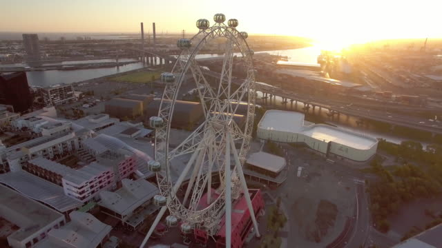 the melbourne star giant ferris wheel, docklands melbourne. - david ewing stock-videos und b-roll-filmmaterial