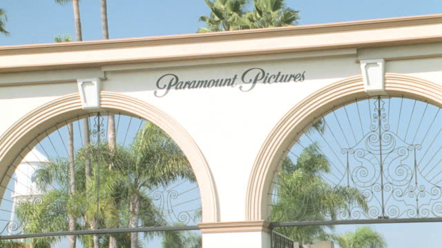 the melrose gate marks the main entrance to hollywood's paramount studios. - paramount studios stock videos & royalty-free footage