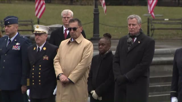 """the memorial service for major christopher """"tripp"""" zanetis, one of two fdny firefighters who died in a helicopter crash in iraq, took place on march... - ビル・デ・ブラシオ点の映像素材/bロール"""