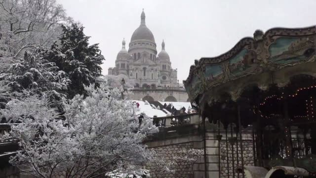 the meteo france weather service put the greater paris region on alert for snow and black ice on roads as snow swept across northern france snarling... - dose stock videos & royalty-free footage