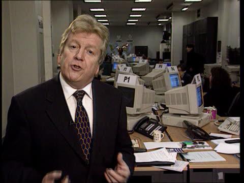 vídeos y material grabado en eventos de stock de the millenium bug the millenium bug england london i/c - el milenio