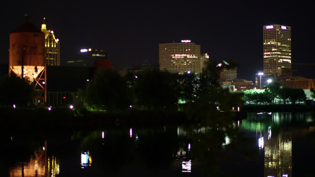 the milwaukee skyline at night - wisconsin video stock e b–roll