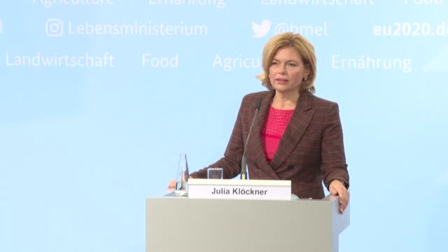 the minister of agriculture announces that germany has recorded a first case of african swine fever, a worrying sign in a country where pig farming... - landwirtschaftsminister stock-videos und b-roll-filmmaterial