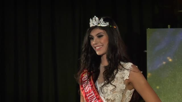 the miss tunisia 2016 beauty pageant is held in tunistunisia on december 03 2016 tunisian emna abdelhedi speaks to the media after being crowned miss... - 出場者点の映像素材/bロール