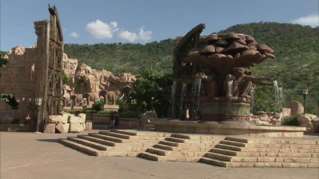 WS The monkey fountain, Palace of Lost City / Sun City, North West, South Africa