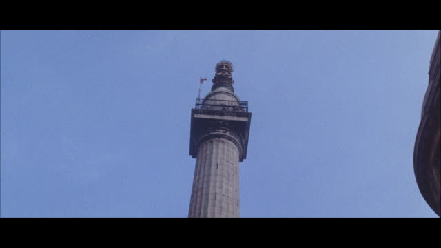 1964 - the monument, city of london - natural parkland stock videos & royalty-free footage