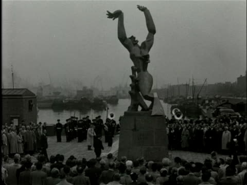 the monument the destroyed city by the artist zadkine is revealed in rotterdam the monument commemorates the bombing of rotterdam by the germans in... - 1940 stock videos & royalty-free footage