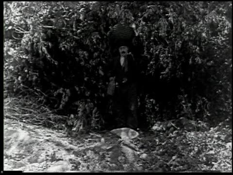 vídeos de stock e filmes b-roll de the moonshiner - 12 of 14 - veja outros clipes desta filmagem 2464