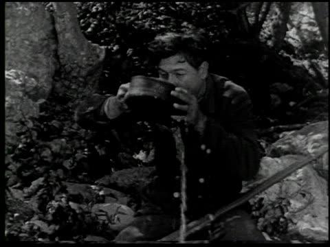 vídeos de stock e filmes b-roll de the moonshiner - 14 of 14 - veja outros clipes desta filmagem 2464