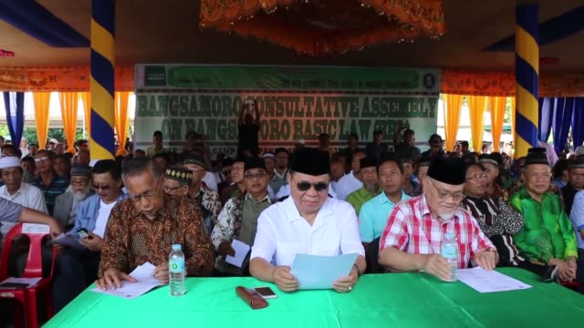 stockvideo's en b-roll-footage met the moro islamic liberation front hold a meeting to evaluate the recent approval of a law on comprehensive autonomy for moro muslims on july 29, 2018... - 40 seconds or greater