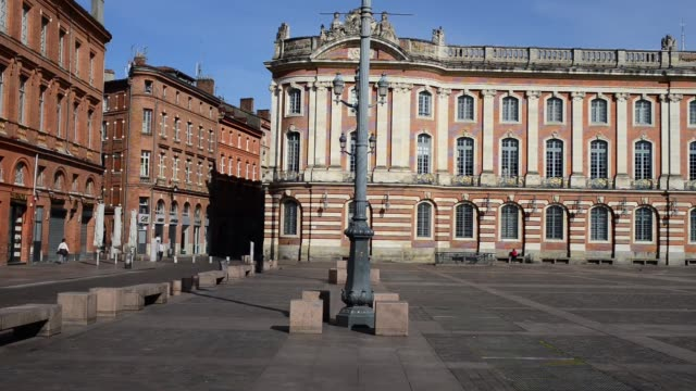 the most iconic and touristic place of toulouse stays empty, in toulouse, france, on march 21, 2020. europe has become the epicenter of the covid-19... - toulouse stock videos & royalty-free footage