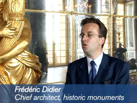 vídeos y material grabado en eventos de stock de the most spectacular room in france's historic palace of versailles its hall of mirrors has been restored to its original glory after three years of... - versalles