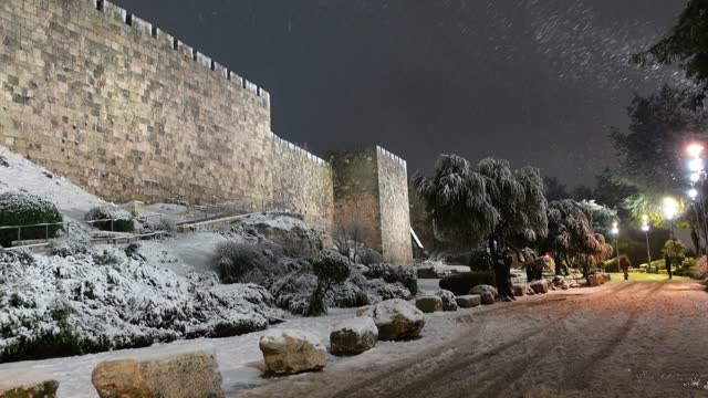 ISR: First Snow In Six Years In Jerusalem
