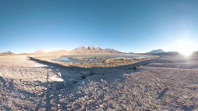 vídeos y material grabado en eventos de stock de the mountain and the laguna hedionda (stinking lagoon) - panorámica