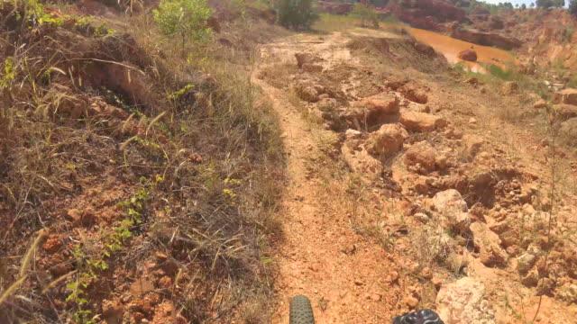 vídeos y material grabado en eventos de stock de la montaña bike - manillar