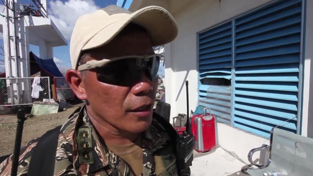 stockvideo's en b-roll-footage met the multi-national force continues the steady stream of relief supplies to devastated areas in adn around the city of tacloban, republic of the... - adn