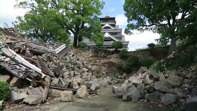 the municipal government of kumamoto southwestern japan allowed reporters on may 11 to see the noentry zones of kumamoto castle damaged by a series... - ダメージ点の映像素材/bロール