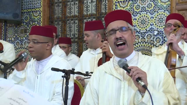 the music of sufi worship where the faithful dance and chant their way to a spiritual trance is celebrated with a special concert in central rabat - atmosfär råmaterial bildbanksvideor och videomaterial från bakom kulisserna