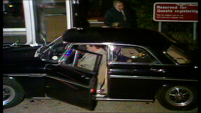 the nation decides general election special itn cardiff callaghan leaving hotel - elezioni generali video stock e b–roll