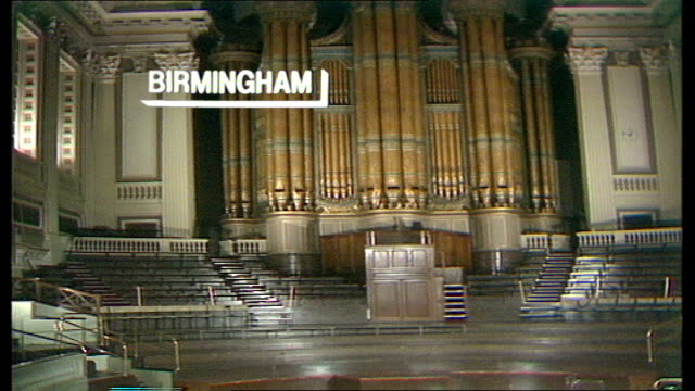 the nation decides general election special itn birmingham town hall report from birmingham counts - allgemeine wahlen stock-videos und b-roll-filmmaterial