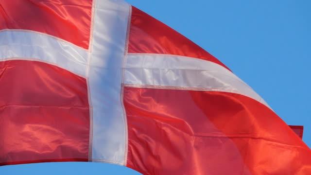 vídeos y material grabado en eventos de stock de the national danish flag waving in the wind. - danish flag