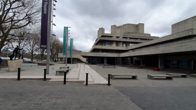 the national theatre is closed during the coronavirus pandemic on march 20 2020 in london england - brian dayle coronavirus stock videos & royalty-free footage