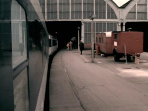the new intercity 125 high speed train pulls into darlington railway station. - british rail stock videos & royalty-free footage