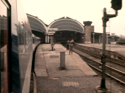 The new Intercity 125 high speed train pulls out of York railway station