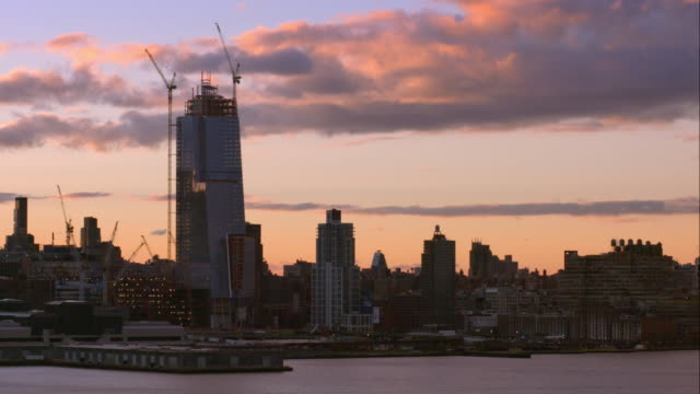 the new skyscraper near hudson yards is under construction. - union square new york city stock videos and b-roll footage