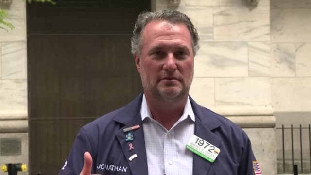 the new york stock exchange, the symbolic heart of wall street, reopens its floor after a two-month closure due to the coronavirus, with traders... - new york stock exchange stock videos & royalty-free footage