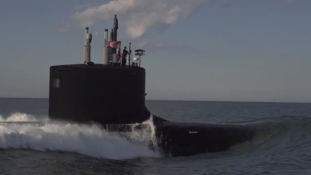stockvideo's en b-roll-footage met the newest virginiaclass submarine minnesota returned to newport news shipbuilding on monday may 6 after successfully completing alpha sea trials the... - virginia amerikaanse staat