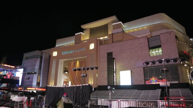 vidéos et rushes de the newly named dolby theatre at night, home of the 85th academy awards 2013 academy awards preparations at dolby theatre on february 22, 2013 in los... - the dolby theatre