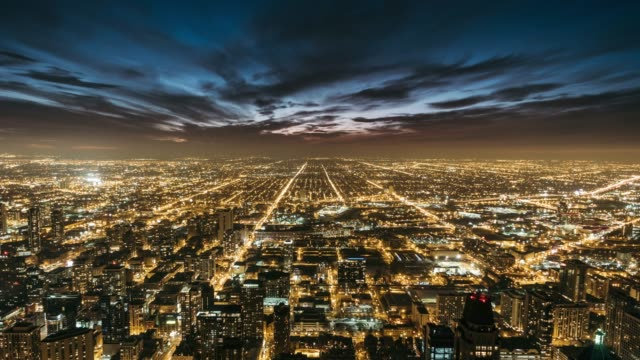 t/l the night traffic of chicago - cityscape stock videos & royalty-free footage