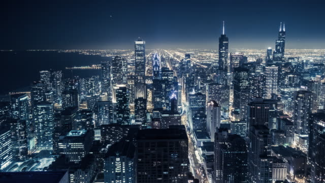 t/l ws ha the night view of chicago skyline - chicago 'l' video stock e b–roll
