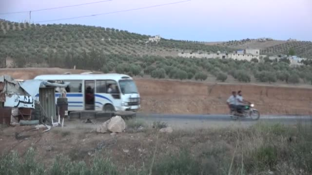 the number of people who fled the syrian regime attacks in daraa to the jordan and israel border areas has risen to 150000 on friday according to the... - シリア点の映像素材/bロール