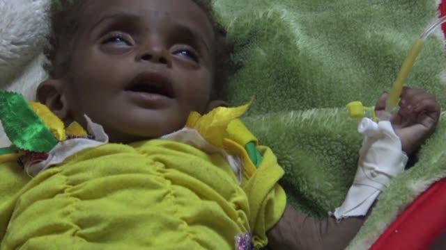 the number of suspected cholera cases in wartorn yemen has reached one million the international committee of the red cross said on thursday - yemen bildbanksvideor och videomaterial från bakom kulisserna