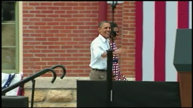 vídeos de stock e filmes b-roll de the obamas arrive at the dnc on september 03 2012 in charlotte north carolina - primeira dama