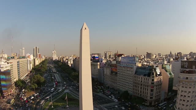 stockvideo's en b-roll-footage met the obelisk, buenos aires, argentina - obelisk
