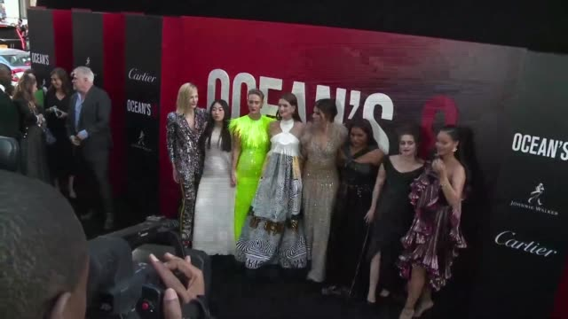 the ocean saga returns on the big screen with ocean's 8 performed for the first time by an allfemale cast led by sandra bullock and cate blanchett - zahl 8 stock-videos und b-roll-filmmaterial