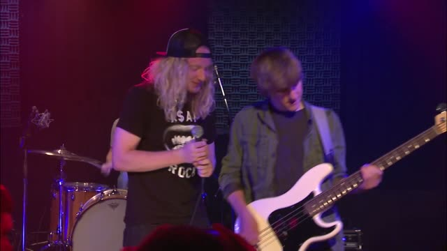 vídeos y material grabado en eventos de stock de the orwells brought their punk and indie rock sound to the jbtv stage with their song 'other voices' - montaje documental